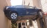 بالفيديو : حادث سير غريب في طبربور وهكذا تم سحب المركبة