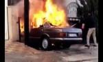 أخماد حريق مركبة داخل عمارة