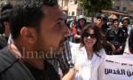 بالفيديو : مشاجرة بين أنصار فتح والشعبية أمام السفارة  الإسرائيلية في عمان
