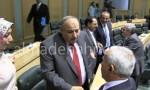 """بالفيديو : وزير الداخلية مازن القاضي يصافح زملاءه """" القدامى """" من النواب"""