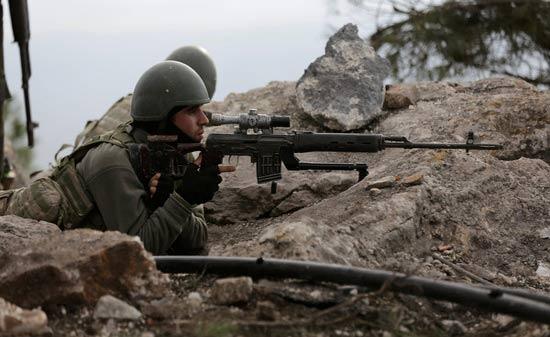 """القوات التركية و""""السوري الحر"""" يسيطران على تلة استراتيجية شمالي عفرين"""