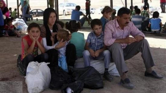 350 الف نازح من الموصل والقوات العراقية تقتل عشرات الارهابيين