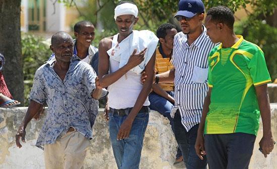 إصابة عمدة مقديشو في انفجار بالصومال والشباب تتبنى