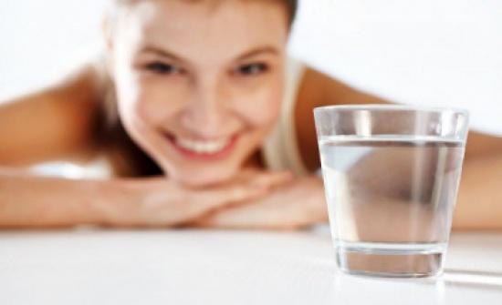 5 فوائد لشرب الماء على معدة خاوية.. تعرف عليها