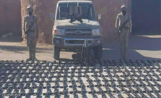 """مصر.. ضبط شحنة سلاح مهربة عبر """"بحر الرمال"""""""