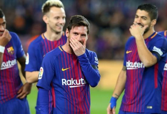 رسميا.. برشلونة يعلن رحيل أحد أعمدته