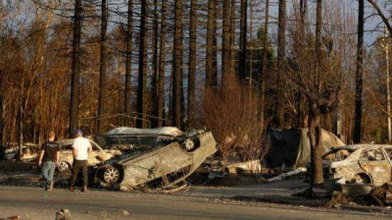 31 قتيلا ومئات المفقودين جراء حرائق الغابات في كاليفورنيا