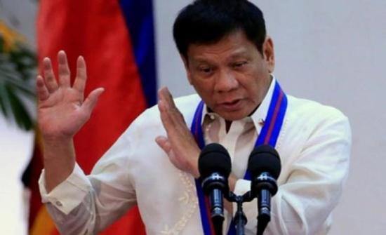 الرئيس الفلبيني يتعهد بدعم الاستقلال الذاتي لمنطقة مسلمة