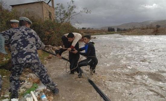 اخلاء 20 اسرة من الحسا الى مدرسة قريبة جراء سيول المياه