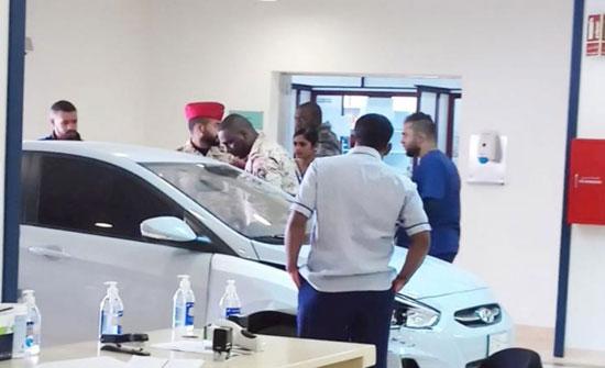 رجل يقتحم مستشفى «الحرس الوطني» في الرياض بسيارته ( فيديو )