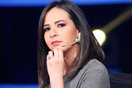 إيمي سمير غانم: الي مش عاجبه يشد في حواجبو