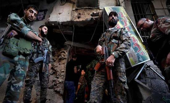 """صبر على الحرب السورية.. وضيق """"بالهجمات الكيماوية"""""""