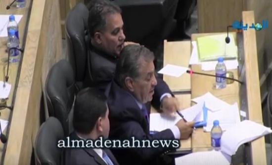 بالفيديو : الزعبي يفتح ملف 40 مليون دينار أقرضها البنك المركزي لبنك تمت تصفيته