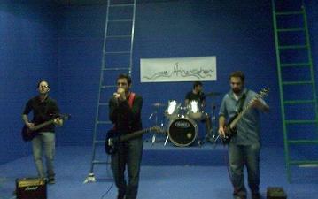 """""""اخر زفير""""   ..  فرقة شبابية اردنية ذللت موسيقى الروك بالعربية !"""