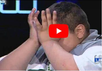 """ابن الـ10 أعوام يطعن والدته بالسكين انتقاماً من المجتمع ووزنه """" فيديو """""""