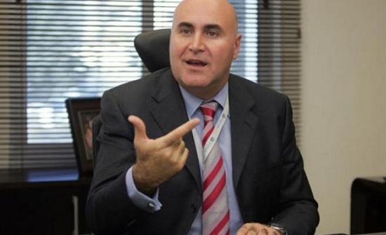 الحكومة تمنح 3 مستثمرين عرب الإقامة الدائمة