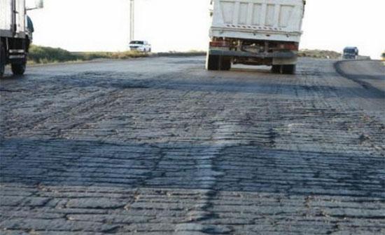 بدء أولى مراحل الإغلاقات لصيانة وتوسعة الطريق الصحراوي