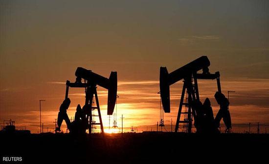 النفط يستقر وسط مخاوف الطلب
