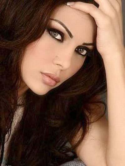 خالتها فضحت سرها .. عمر هيفاء وهبي 45 سنة وليس 32 كما تدعي !