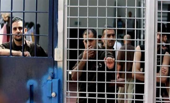 المعتقلون الإداريون الفلسطينيون ينفذون قرار مقاطعة المحاكم الإسرائيلية