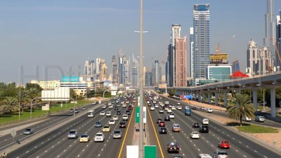 دبي تطلق خطة لاختصار 10 سنوات من زمن التطوير