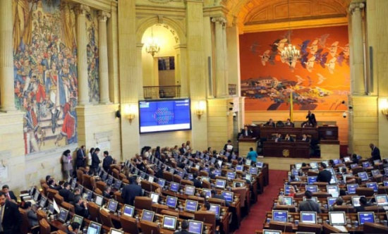 """كولومبيا: المصادقة على """"السلام"""" تنهي نزاعاً استمر 52 عاماً"""