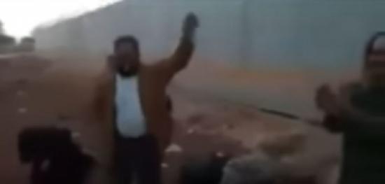 ee09397b4 بالفيديو : مقاتلون سوريون موالون لتركيا يرقصون :