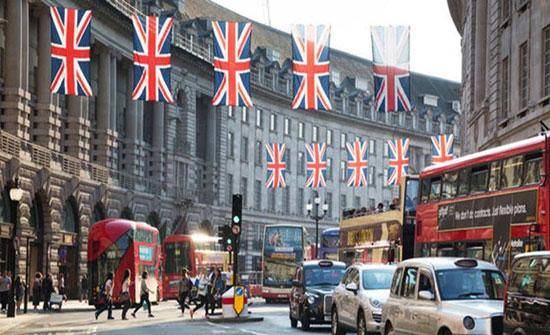 بريطانيا تخطط لتخفيف قواعد الهجرة لاجتذاب العلماء