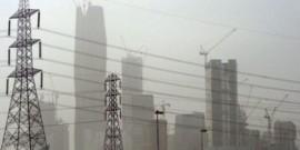 عاصفة رملية تجتاح الرياض وغبار بالإمارات
