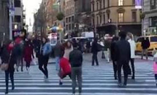 نهاية مروعة لفتاة حاولت تحدى شاب وسط الشارع (فيديو)