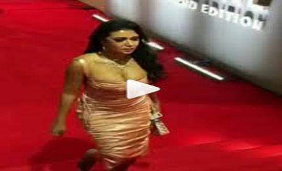 بالفيديو - رانيا يوسف تشعل الشبكات بإطلالتها المكشوفة