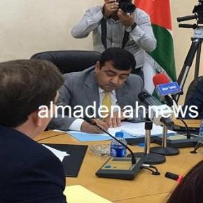 صور : لجنة النزاهة تطلب من الصحفيين المغادرة أثناء مناقشة شبهات فساد في الصحة