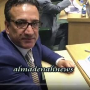 بالفيديو : لماذا  يضع ياغي آي باد على مكتبه دون بقية النواب ؟