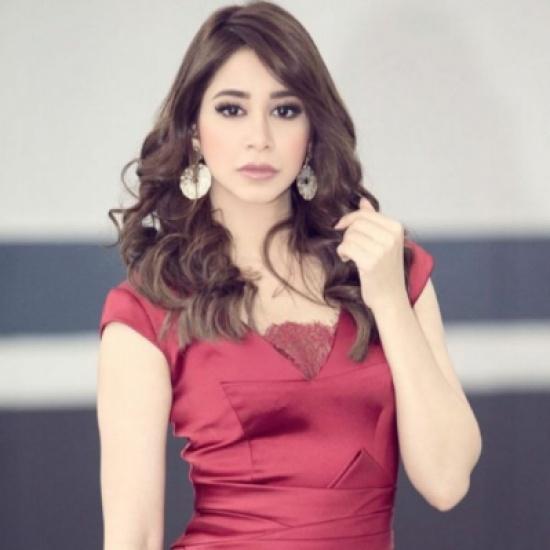 بالفيديو: آسيل عمران تبهر الجمهور برقصها