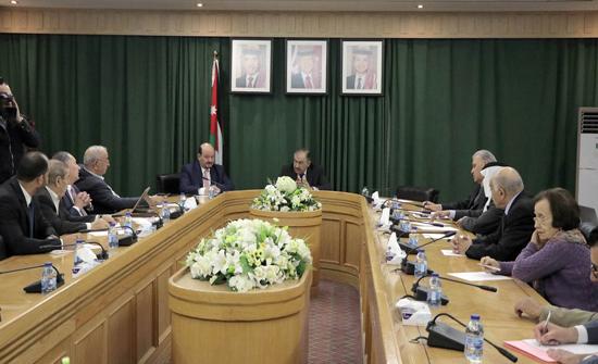 """""""إدارية الأعيان"""" تُناقش تفاصيل حزمة قرارات الإصلاح الإداري وتطوير القطاع العام"""