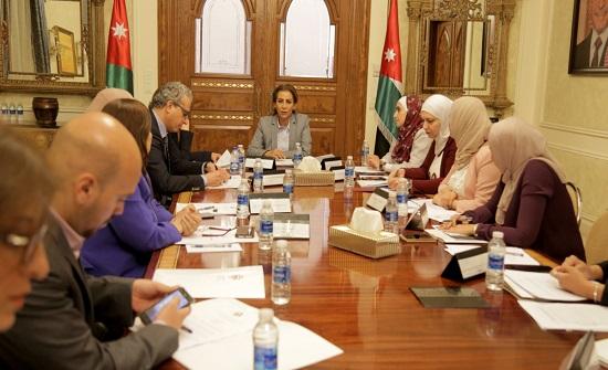 غنيمات تؤكد ضرورة تنفيذ التوجيهات الملكية لتمكين المرأة