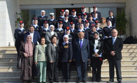 لجنة المرأة في مجلس الأعيان تزور إدارة الشرطة النسائية