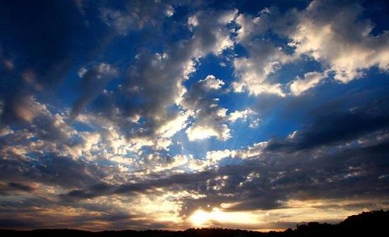 الأحد : أجواء صيفية اعتيادية بأغلب مناطق المملكة