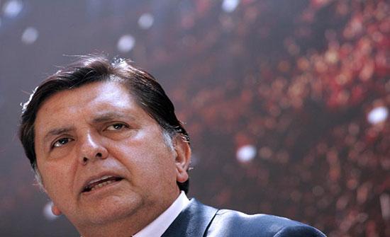 وفاة رئيس سابق للبيرو أطلق النار على نفسه قبيل توقيفه