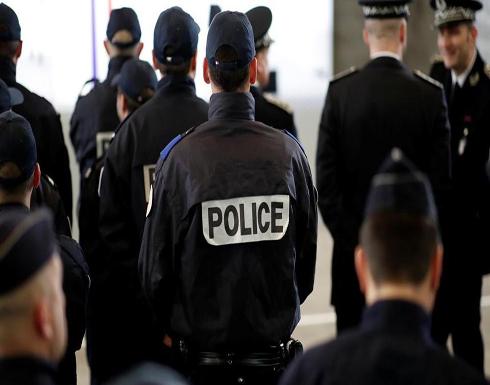 فرنسا.. الشرطة تفحص سيارة مريبة بشارع الشانزليزيه