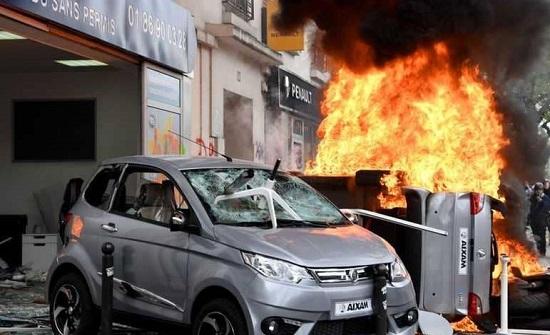 انفجار قوي وسط باريس