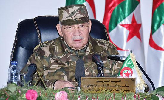 الجيش الجزائري ينفي نيته فرض خياراته على المرحلة الانتقالية