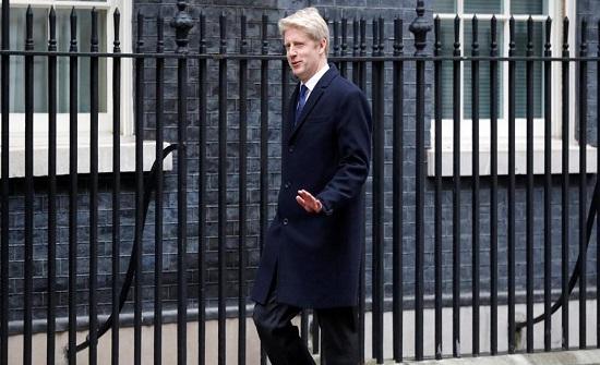 وزير بريطاني يستقيل ويدعو لاستفتاء لتجنب فوضى البريكست