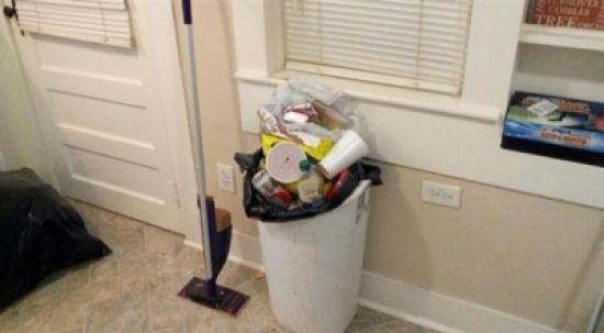 7 نصائح للتخلص من رائحة القمامة في المطبخ