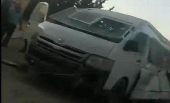 بالفيديو  : وفاة دركي واصابة آخرين في انفجار قنبلة غاز داخل دورية
