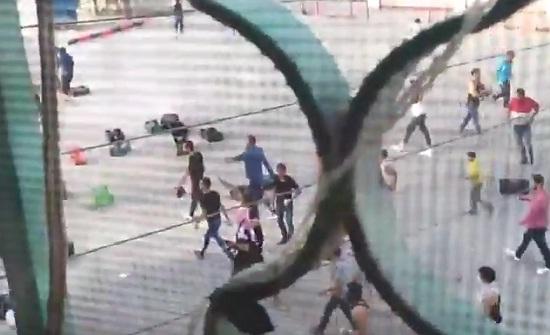 فيديو : شاهد مقطعاً من اعمال الشغب في الرصيفة