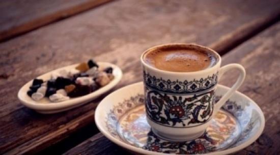 هل تزيد القهوة الوزن أم تخففه؟