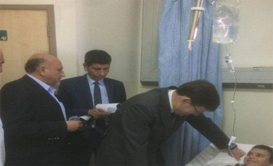 وزير الصحة يعود مصابي حادث شويعر