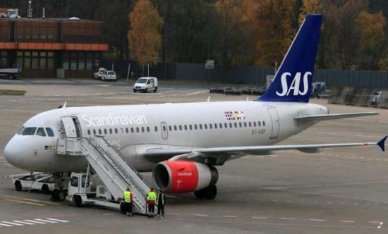 هبوط اضطراري لطائرة اسكندنافية