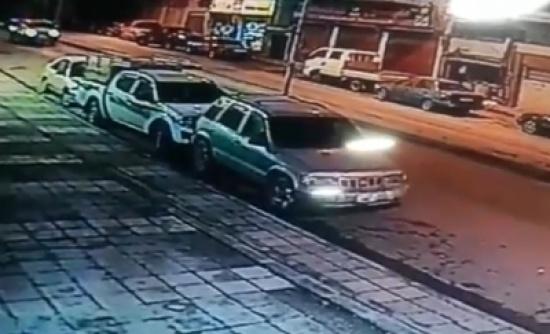 بالفيديو.. العناية الالهية تنقذ شابين من موت محقق في ابو علندا